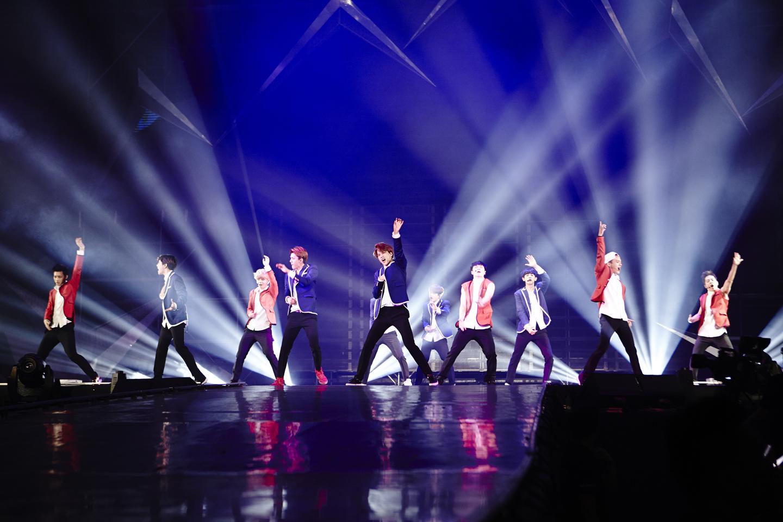 그룹 엑소(EXO)가 싱가포르 콘서트를 성황리에 마쳤다. ⓒSM