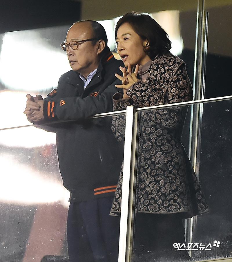 김승연 회장 '11년만의 가을야구를 직접 관람'[포토]
